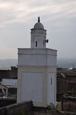 Minaret visible depuis la terrasse du riad Adarissa à Fès